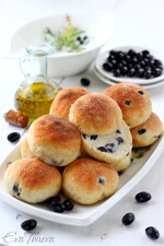 Buns with olives small
