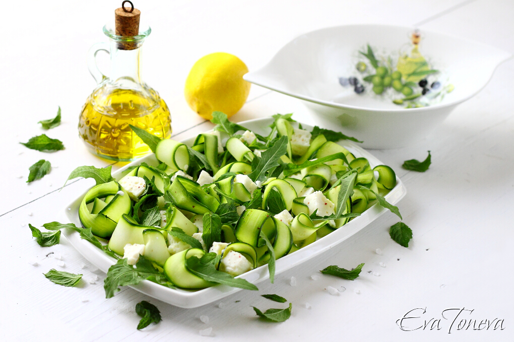 Courgette feta mint salad