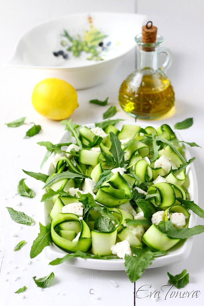 Courgette feta mint salad1