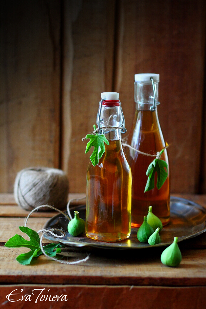 http://evatoneva.com/images/stories/food/Fig_leaves_syrup.JPG