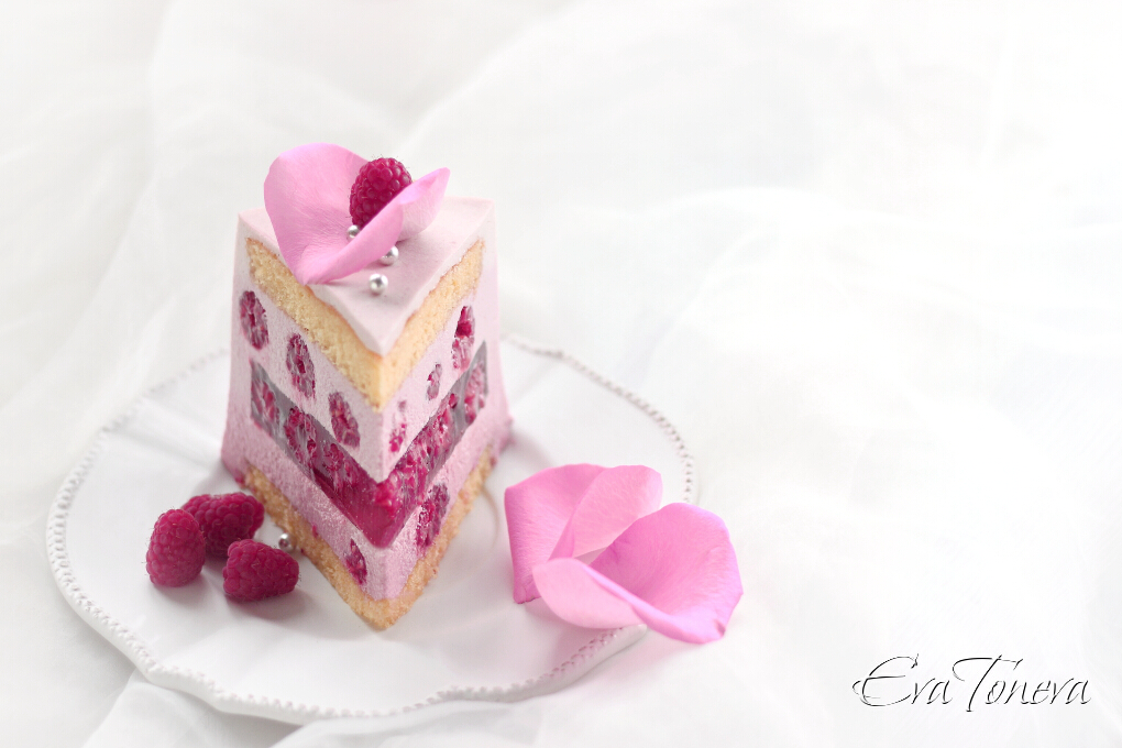 Raspberry layer cake2