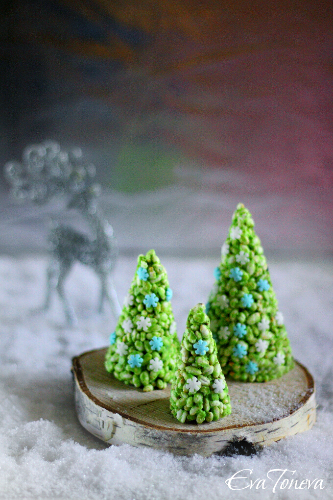 Rice Krispie Cone Christmas Trees