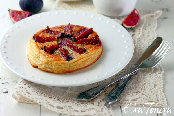 cake_with_figs_and_marzipan1