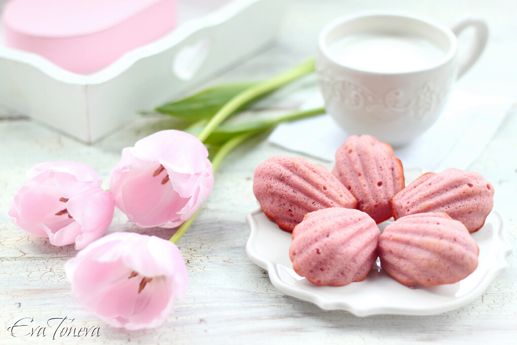 strawberry madeleines1