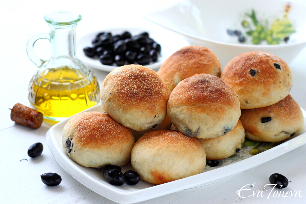 Buns with olives1
