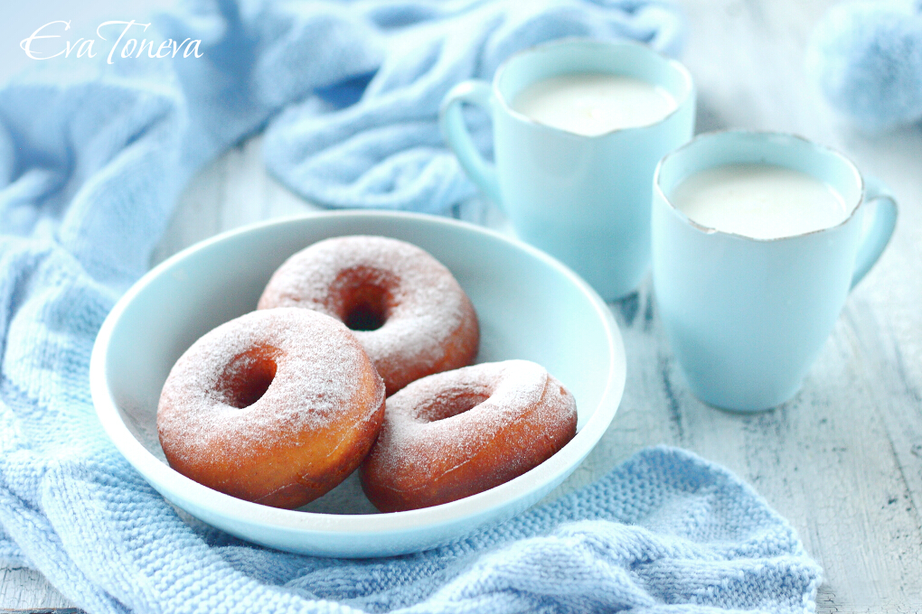 Sweetened condensed milk donuts1